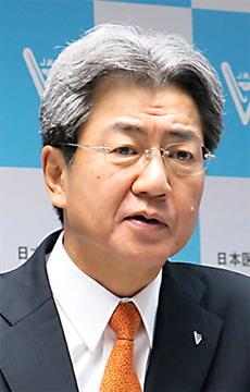 日本医師会の中川俊男副会長