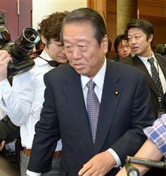 日本未来の党の両院議員総会に臨む小沢一郎氏=27日午前、国会内
