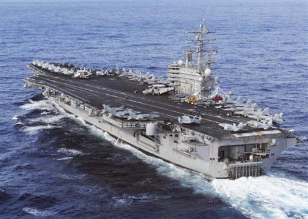日本に向け太平洋を航行する米原子力空母ロナルド・レーガン=2011年3月(在日米海軍提供・共同