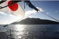 日本漁船を追いかけ回す中国監視船1
