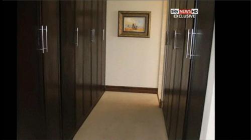 義足ランナー恋人射殺事件、現場の写真が流出1(二階廊下)