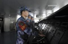 中国人民解放軍海軍部_空母「遼寧」(りょうねい)写真