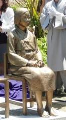 韓国系団体によって設置された慰安婦像(米カリフォルニア州)