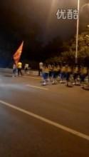 中国・1万人のオバハン「暴走集団」Youtube動画スクリーンショット2
